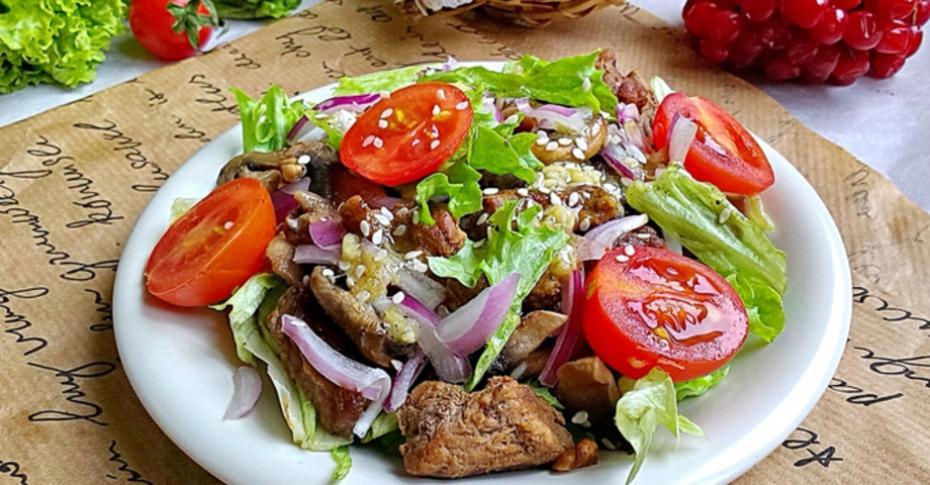 Салат с телятиной и перцем гриль