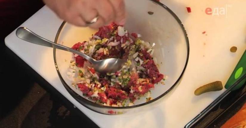 рецепт бифштекс по татарски.